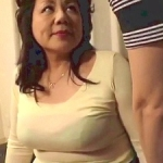 六十路の叔母と近親相姦!62歳で豊満ぽっちゃり巨乳巨尻なとんでもない淫乱おばさん!富岡亜澄
