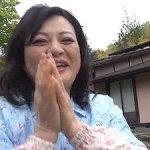 還暦62歳!六十路のポチャおばさんがAV出演!お風呂場で3Pフェラ!浜崎直子