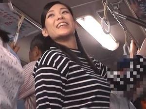 美淑女おばさん痴漢!ムチムチ巨乳巨尻なアラフォー奥様を電車内で犯す!児玉るみ