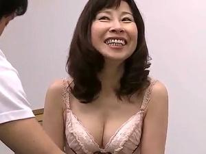 秋田富由美の初撮り!六十路65歳!高齢熟女とは思えない色白美肌おばあちゃん!