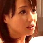童顔熟女!五十路妻!セフレを自宅に呼んで不倫する可愛い顔して悪女な奥さん!安野由美