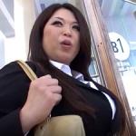 デブ熟女な爆乳爆尻セールスレディの肉弾接待!ボヨヨ~ンとエロ過ぎるハードSEX!加山なつこ