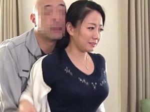 人妻となった元部下をレイプ!!! ふっくら巨乳なアラフォー美熟女を強姦して寝取る!和泉紫乃