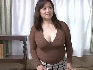 熟女神!還暦60歳・六十路の豊満熟女は悩める童貞男子の憧れの的!熟マ●コでみ~んな筆おろしSEX!! 葉山のぶ子
