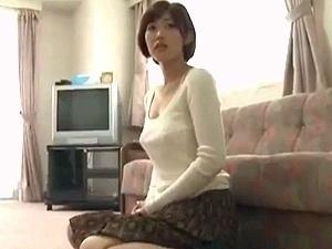 団地妻をレイプ!!! ショートカットでスレンダー美巨乳な美人妻が不倫、そして強姦!!! 水野朝陽