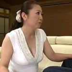 母子交尾!45歳・四十路のふっくら巨乳お母さんとマザコン息子の「だいしゅきホールド」中出し近親相姦!紫彩乃