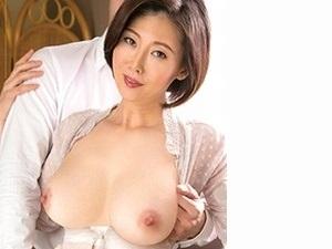 竹内梨恵の美巨乳おっぱいが揺れる…。四十路で色白清楚な人妻のSEX映像!