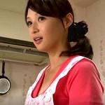 友人の妻と不倫関係に…。50歳の五十路で童顔可愛らしい奥さんが寝取られ!安野由美