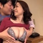 元夫婦が不倫SEX!五十路52歳で大きな乳房をした前妻と久しぶりにエッチして中出し!紅月ひかり
