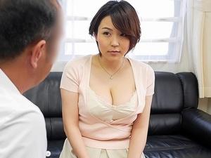 素股が不感症には効果的?!ムチムチ巨乳若妻が悪医者に騙されて素股から挿入!SEX!!! 西園さくや