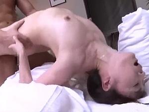 エビ反り熟女!47歳アラフィフ熟女な未亡人の痴女っぷりが凄い!!麻生千春