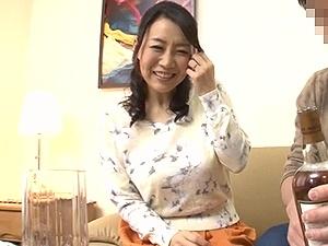 アラフィフ熟女ナンパ!47歳の童顔癒し系な巨乳セレブ人妻をGET!! 巨根でハメ撮り!桐島美奈子