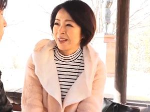 温泉旅行で母子相姦!パイパン五十路母に『ナマ』挿入!中出し近親相姦!藍川京子
