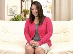 素人39歳!ぽっちゃり巨乳なアラフォー熟女人妻が口説かれてAV出演!久しぶりのSEXで感じまくり!