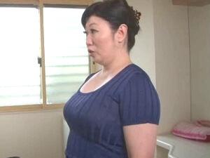 船木千恵美:52歳ぽっちゃり五十路母は発情中!息子とタブーな近親相姦!