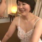 【円城ひとみ】母子交尾!教師の母は学校では厳しいが家では優しく迫ってくる!
