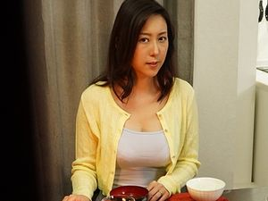 隣りの美人妻を寝取る!巨乳で可憐な奥さんが欲求不満のあまり・・・寝取られ不倫!松下紗栄子