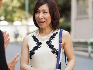 50歳の五十路ナンパ!スレンダーで清楚さとエレガントさのある極上の美熟女をGETして中出しハメ撮り!
