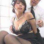 喪服姿の巨乳未亡人!艶っぽい…夫の上司に抱かれてしまい中出し!