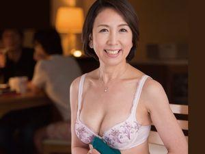 【真野夏樹】五十路(53歳)の嫁の母に中出し!絡み合う姑&婿!!