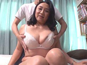 マッチングアプリで五十路の熟女ナンパ!54歳のぽっちゃり巨乳巨尻な人妻が釣れた!!