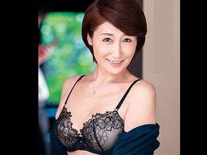【高橋美園】友達の母親は五十路(53歳)の清楚な熟女人妻!