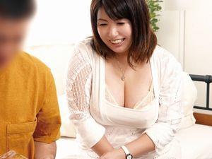 【折原ゆかり】ファンの自宅にゲリラ訪問する豊満で爆乳爆尻な熟女AV女優!