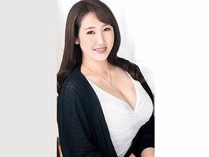 逢坂瞳の初撮り!Hカップ爆乳おっぱい!32歳のグラマー人妻がAVデビュー!