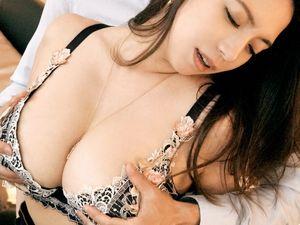 元RQのデカ乳デカ尻な美熟女愛人!織田真子