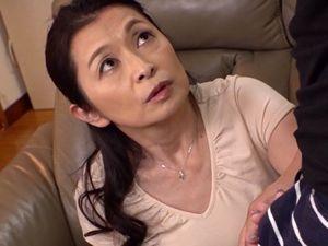 【遠田恵未】六十路の義母と妻には言えない関係に・・・
