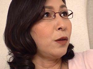 【中山穂香】嫁の母は五十路で清楚なメガネ美熟女!娘婿と子作りSEX!!
