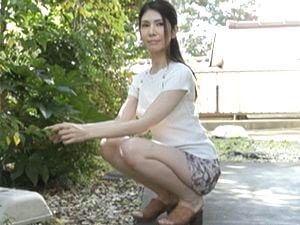 【麻生ひより】母の友人!清楚な四十路のスレンダー美熟女!