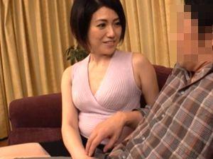 【甘乃つばき】嫁の母は清楚に見えて痴女だった!娘婿のデカチンにハマった嫁の母!