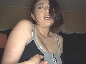 熟女凌辱イラマチオSEX!四十路43歳の熟女人妻に強烈イラマチオ!そして鬼ピストンファック!!