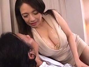 【織田真子】義母と合体!娘婿を卑猥なグラマラスボディで誘惑するイケナイ爆乳デカ尻な義母!