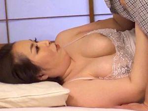 【青山葵】お義母さんとセックス!女房よりイイ豊満熟女!