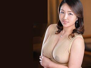 【伊東千春】嫁の母が豊満な熟女体形になってきてエロヤバイ事に!!