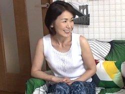 六十路ナンパ!還暦60歳で清楚な熟女人妻を連れ込んで不倫セックス!!