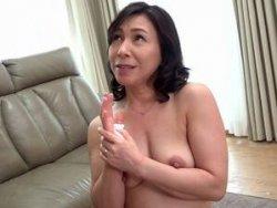 【中山穂香】近親相姦!五十路(55歳)お母さんに膣中出し!